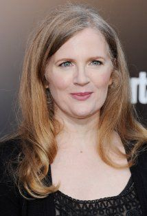 Suzanne Collins (II) is the highly praised author of the international bestseller, the Hunger Games Trilogy, and The Underland Chronicle. Hunger Games Author, Hunger Games Trilogy, Types Of Books, Suzanne Collins, World Of Books, Catching Fire, Famous Celebrities, Authors
