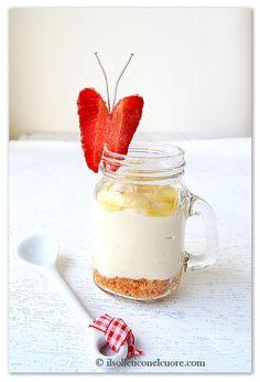 Cheesecake veloce in vasetto agli amaretti, mascarpone e yogurt greco Yogurt Greco, Dessert Recipes, Desserts, Panna Cotta, Cheesecake, Ethnic Recipes, Easy, Blog, Mascarpone