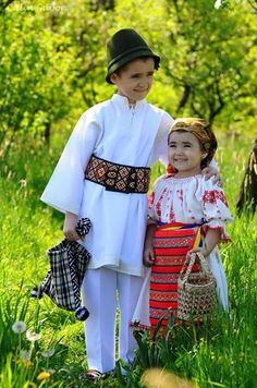 COPII ! Beautiful Places In The World, Beautiful People, Folk Costume, Costumes, Romania People, Romania Travel, Moldova, Funny Babies, Traditional Outfits