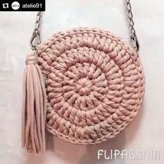Olha que bolsa legal!!! @atelie91 #fiodemalha #bolsaartesanal #handmade #feitoamao #artesanatocriativo