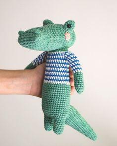 Animal Friens of Pica Pau - Yan Schenkel Easy Crochet Animals, Knitted Animals, Crochet Animal Patterns, Stuffed Animal Patterns, Crochet Patterns Amigurumi, Crochet Dolls, Kawaii Crochet, Cute Crochet, Crochet Baby