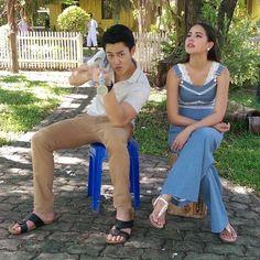 KLEUN CHEEWIT - LIFE WAVES Mark Prin, Korean Drama Quotes, Barefoot Men, Thai Drama, Celebrity Couples, Celebs, Celebrities, Chanyeol, Harem Pants