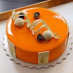 Online Cake Delivery in Lokhandwala, Mumbai, Premium Quality Cakes, Fresh Flowers Bouquet, Gifts are available for same day and Midnight Delivery in Lokhandwala area of Mumbai. Creative Cake Decorating, Cake Decorating Videos, Cake Decorating Techniques, Chocolate Garnishes, Chocolate Desserts, Butterscotch Cake, Elegant Birthday Cakes, Cake Delivery, Fancy Desserts
