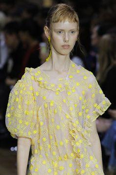 Simone Rocha Spring 2017 Ready-to-Wear Fashion Show Details