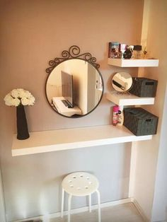 Simple and Creative Tricks: Floating Shelf With Pictures Storage how to decorate floating shelves fun.Floating Shelves Modern Open Kitchens how to decorate floating shelves solid wood.Floating Shelves Nursery Home Office. Easy Home Decor, Cheap Home Decor, Vanity Room, Closet Vanity, Diy Vanity Table, Small Bedroom Vanity, Small Vanity Table, Floating Vanity, Kitchen Shelves