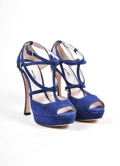 Sandals have?Íí_a double layer T strap in front and two buckle closures at the ankles. ?Íí_ Size: 40 Made in: Italy?Íí_ Color: Navy Blue?Íí_ Fabric Content: Upper: Suede. Insole and Outsole: Leather.?
