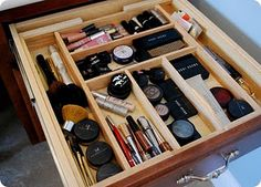 use a cutlery organizer for makeup