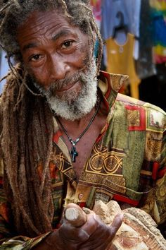 Image shared by Egypsy ▲. Find images and videos about simple, dreads and rasta on We Heart It - the app to get lost in what you love. Reggae Rasta, Rasta Man, We Are The World, People Around The World, Bob Marley, Black Is Beautiful, Beautiful People, Jamaican Men, Jamaican People