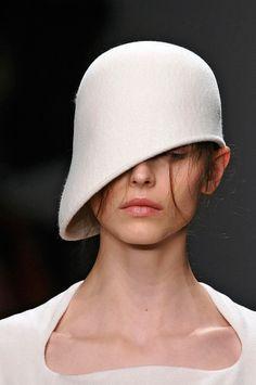 marios schwab hat