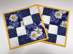 Quilted potholders hot pads daisies trivets by BJTreasuresShop