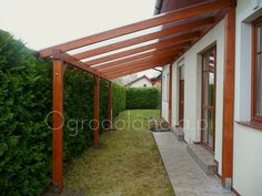Modern Pergola, Outdoor Pergola, Gazebo, Backyard Sheds, Backyard Patio Designs, Small Patio Ideas On A Budget, Diy Carport, Modern Entrance Door, Side Yard Landscaping