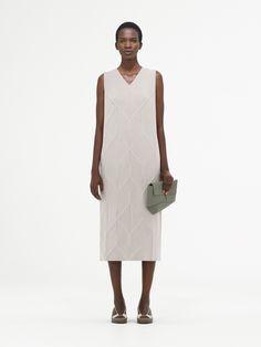 cos-spring-2017-fashion-show-the-impression-17