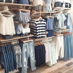 Brandy Melville 499 Broadway SoHo NYC #brandyusa Display Artists: Caitlyn & Delaney Poli