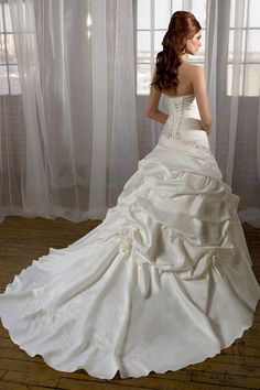 Outstanding Princess Wedding Dress with Gorgeous Appliqués