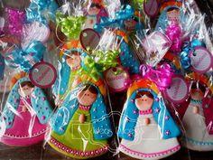 Virgencitas Plis para la Primera Comunión de Estefanía en Magangué Baptism Cookies, Fondant Icing, Ideas Para Fiestas, Communion Dresses, First Communion, Edible Art, Quinceanera, Beautiful Cakes, 3rd Birthday