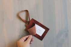i love brown leather anything but can't sew – so i decided to do the easiest and quickest way to make a luggage tag for my trip. all it requires is cutting and gluing, could that be eas…
