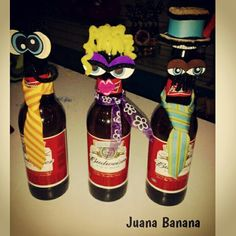 Cervezas decoradas en Juana Banana Banana, Decorated Boxes, Wine, Crafts For Kids, Parents, Ale, Facts, Globes, Bananas