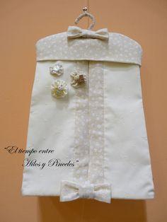 EL TIEMPO ENTRE HILOS Y PINCELES: COSIENDO JUNTAS: Guarda pañales y bolsa para bebe