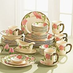 Franciscan Desert Rose China (my mom collected this pattern and used it everyday) - yep, mine too. Vintage Dinnerware, China Dinnerware, Vintage Dishes, Vintage China, Desert Rose Dishes, Franciscan Ware, Dinner Sets, Dinner Ware, Dish Sets