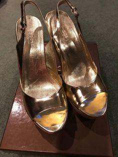 18d21b90b12 Gucci Women s Metallic Gold Cork Heels Size with box