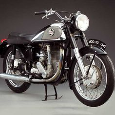 Unapproachable: The 1957 Norton International Model 30 - Classic British Motorcycles - Motorcycle Classics