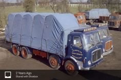 Vintage Trucks, Old Trucks, Expand Furniture, Classic Trucks, Transportation, Old Things, Buses, Tractor, Vehicles