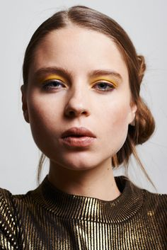 Glam Tech, editorial de moda.  Photography: Pedro David Martínez Model: Lena Zhokova @francinamodels Styling: Valery Trasverso Make up and hair: Mónica Plasencia