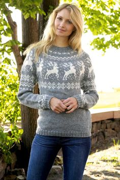 Sweater with stars Sarah Lund style pattern by Ribbit Knit