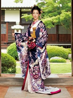Kimono 色打掛|銀桜四季花鶴文様 U-110 ジョイフル恵利・JOYFUL ELI | 日本の結婚式ドットコム