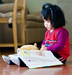 The Ann Arbor District Library (AADL) has great story time programs and many free events for teens and kids of all ages. Girl Reading Book, Kids Reading Books, Book Girl, Love Reading, I Love Books, Books To Read, How To Read People, Reading Rainbow, Early Readers