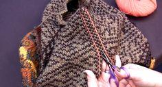 Du er endelig ferdig å strikke en genser eller kofte, og tiden er inne for å montere og ferdigstille arbeidet. Men så kommer den skumle delen - nemlig å klippe i strikketøyet. Tør du? Hvis ikke er det på tide å lære seg steeking.