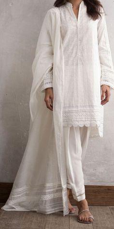 Pakistani Fashion Casual, Pakistani Dresses Casual, Pakistani Dress Design, Indian Dresses, Indian Outfits, Indian Fashion, Casual Dresses, Fashion Dresses, Casual Wear