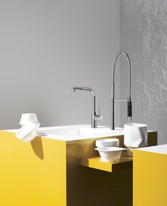 Stylish yellow kitchen with Dornbracht's contemporary kitchen faucet / Elio Collection Contemporary Kitchen Faucets, Modern Faucets, Luxury Kitchen Design, Bathroom Faucets, Bathrooms, Kitchen And Bath, Sink, Pure Products, Interior Design