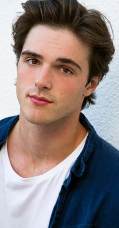 Jacob Elordi, Actor: The Kissing Booth. Jacob Elordi is an actor and writer, known for The Kissing Booth Swinging Safari and Pirates of the Caribbean: Dead Men Tell No Tales Get posters of famous people plus other current deals. Beautiful Boys, Pretty Boys, Noah Flynn, Joey King, Kissing Booth, Kim Jisoo, Cute Actors, Film Serie, Handsome Boys