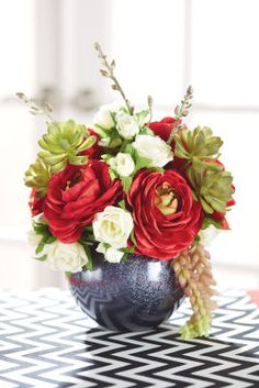 Couples Party: Floral Arrangement, large