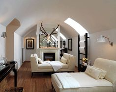 A skylight inserted into the coved ceiling allows for privacy and natural light. Best Hotels Around the Country - ELLE DECOR