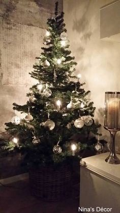 olohuone,joulu,joulukoti,joulukoristeet,joulusisustus Christmas Tree, Holiday Decor, Image, Home Decor, Deco, Teal Christmas Tree, Decoration Home, Room Decor, Xmas Trees