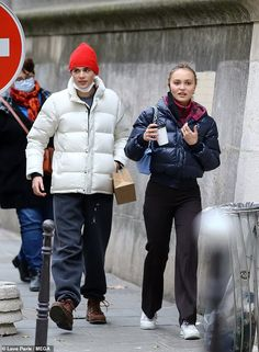 Lily Rose Depp Style, Lily Rose Melody Depp, Vanessa Paradis, Johnny Depp, Celebrity Style Casual, Celeb Style, Lily Depp, Models Off Duty, Teen Fashion Outfits