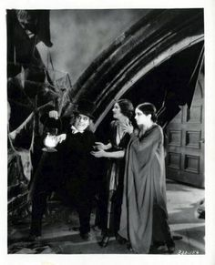 London After Midnight lost film starring Lon Chaney. Classic Monster Movies, Turner Classic Movies, Classic Horror Movies, Classic Monsters, Horror Films, Horror Art, Gothic Horror, Silent Horror, Silent Film