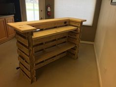 Pallet Shelves Projects The Natural Pallet Bar/Tiki Bar Un-Stained Finish To - Pallet Bar, Superb Quality, Attention To Detail. Pallet Lounge, Diy Pallet Sofa, Pallet Shelves, Diy Pallet Projects, Pallet Ideas, Pallet Storage, Storage Shelves, Diy Pallet Bar, Pallet Bar Plans