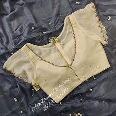 Blouse Back Neck Designs, Best Blouse Designs, Mary Janes, Pattu Saree Blouse Designs, Stylish Blouse Design, Designer Blouse Patterns, Trends, Lady, Nike