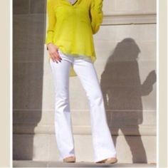 Love these great fitting winter white jeans Great fitting chic winter white trouser style jeans these jeans fit so nice inseam runs from 32/33 sizes from 25 to 33 PLEASE comment on the size you want and allow me to make you a personalized listing ( when your ready to purchase) BUNDLE AND SAVE 10% Jeans