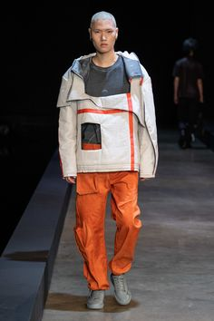 A-Cold-Wall Fall 2019 Menswear Fashion Show A-Cold-Wall Fall 2019 Menswear Collection – Vogue Fashion Show Collection, Couture Collection, Vogue Paris, World Of Fashion, Mens Fashion, Street Fashion, Fashion Menswear, Japan Fashion, High Fashion