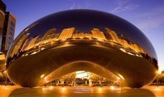 I've bean to Chicago MANY times, but never seen this. (The Bean, Chicago) Beautiful Places To Visit, Oh The Places You'll Go, Places To Travel, Chicago Art, Chicago Illinois, Big Bean Chicago, Chicago Night, Visit Chicago, My Kind Of Town