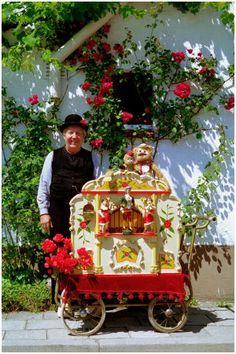 Dutch Organ Grinder.