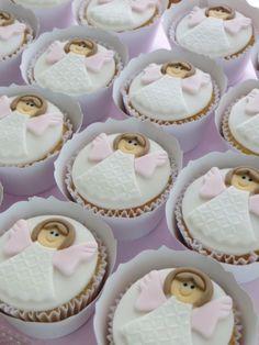 doce batizado menina First Communion Cakes, First Holy Communion, Fondant Cakes, Cupcake Cakes, Christening Cupcakes, Ballerina Cakes, Cake Topper Tutorial, Mini Cupcakes, Birthday Decorations