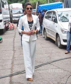 Priyanka Chopra made her way to the sets of Jhalak Dikhhla Jaa 7 looking hot in a pair of shades. #Bollywood #Fashion #Style #Beauty