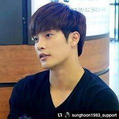 #SUNGHOON at airport  Photo credit to twitter 울라혜영 boygod57