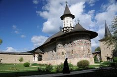 Painted Monastery, Bucovina Romania, Enchanted, Places Ive Been, Louvre, Mansions, House Styles, Building, Pictures, Travel