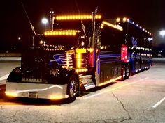 Show Trucks, Big Rig Trucks, Custom Big Rigs, Custom Trucks, Suzuki Sv 650, Freightliner Trucks, Mercedes Benz Trucks, Trucks And Girls, Truck Design